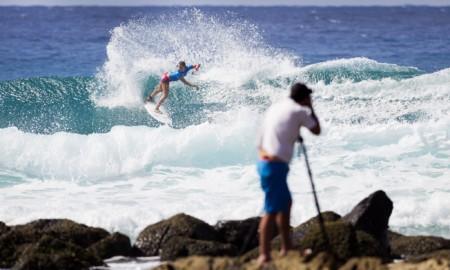 Começa o Mundial Feminino de Surf 2016