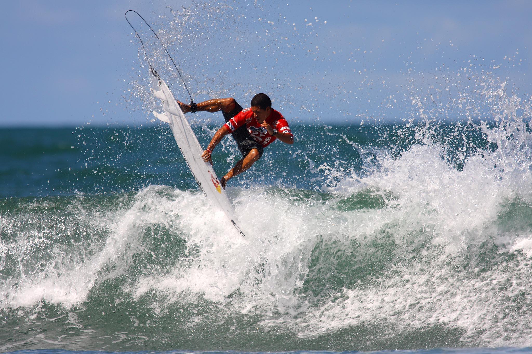 Adriano de Souza (SP) na Praia do Forte / Foto Daniel Smorigo / WSL