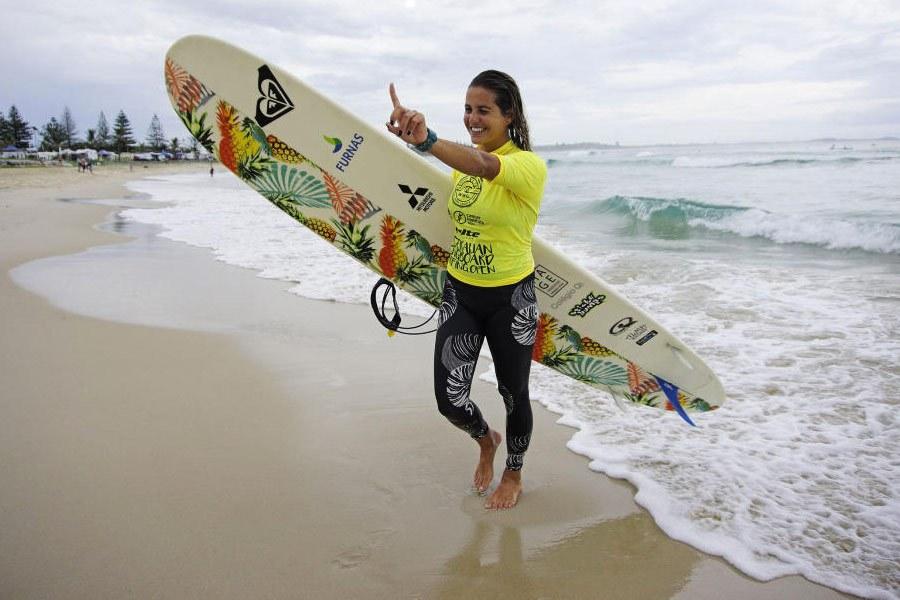 A brasileira Chloé Calmon saiu vitoriosa em NSW / Foto WSL