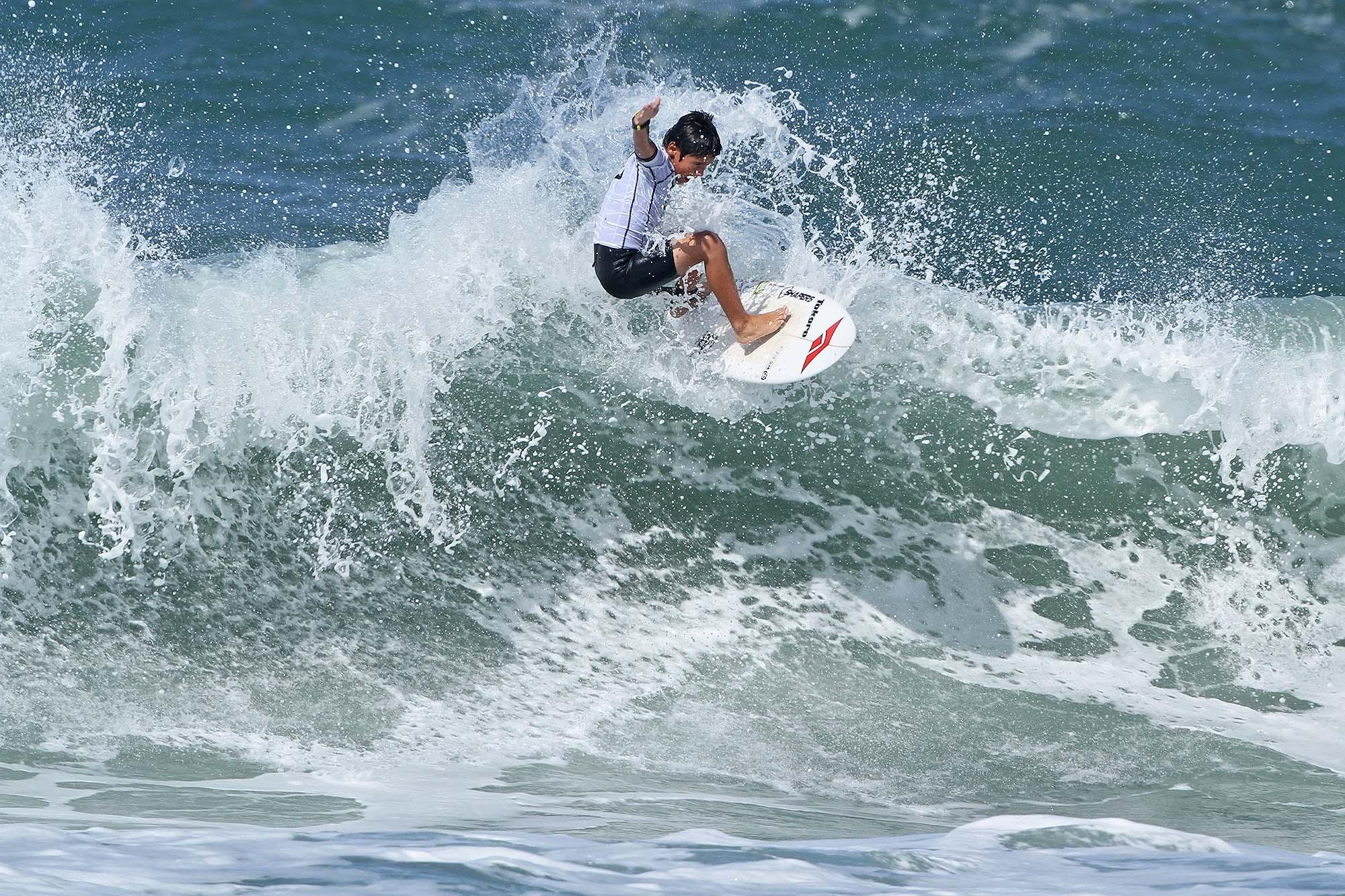 Diego Aguiar durante o Hang Loose Surf Attack / Foto Munir El Hage