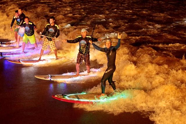 Desafio de Surf Noturno / Foto Raimundo Pacco