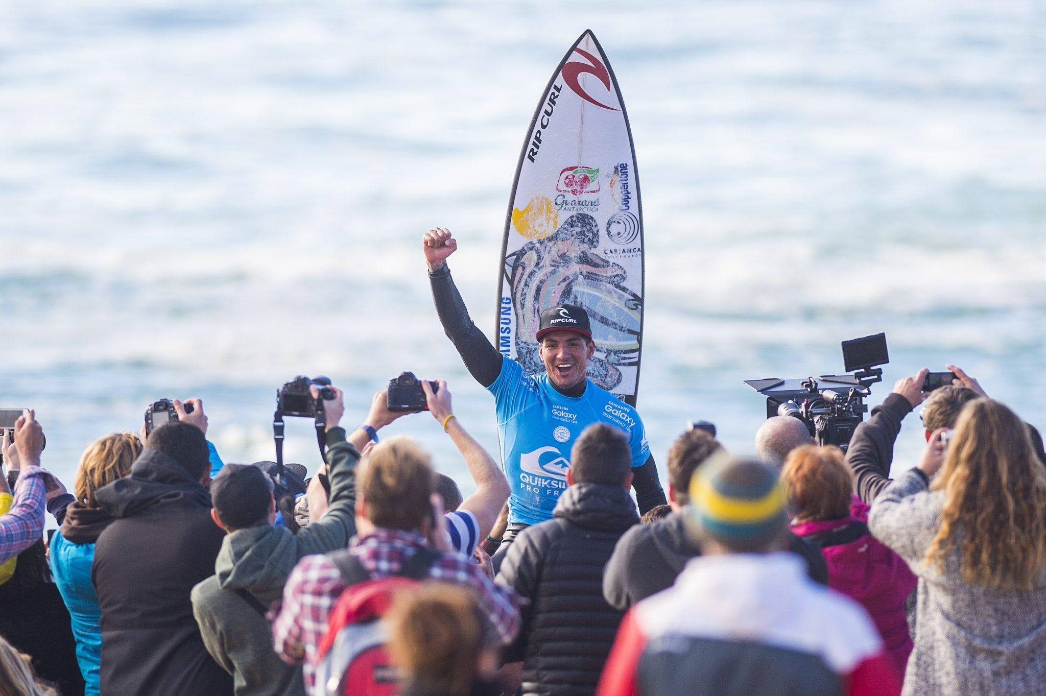 Medina comemora o bicampeonato na França em 2015 / Foto Kirstin