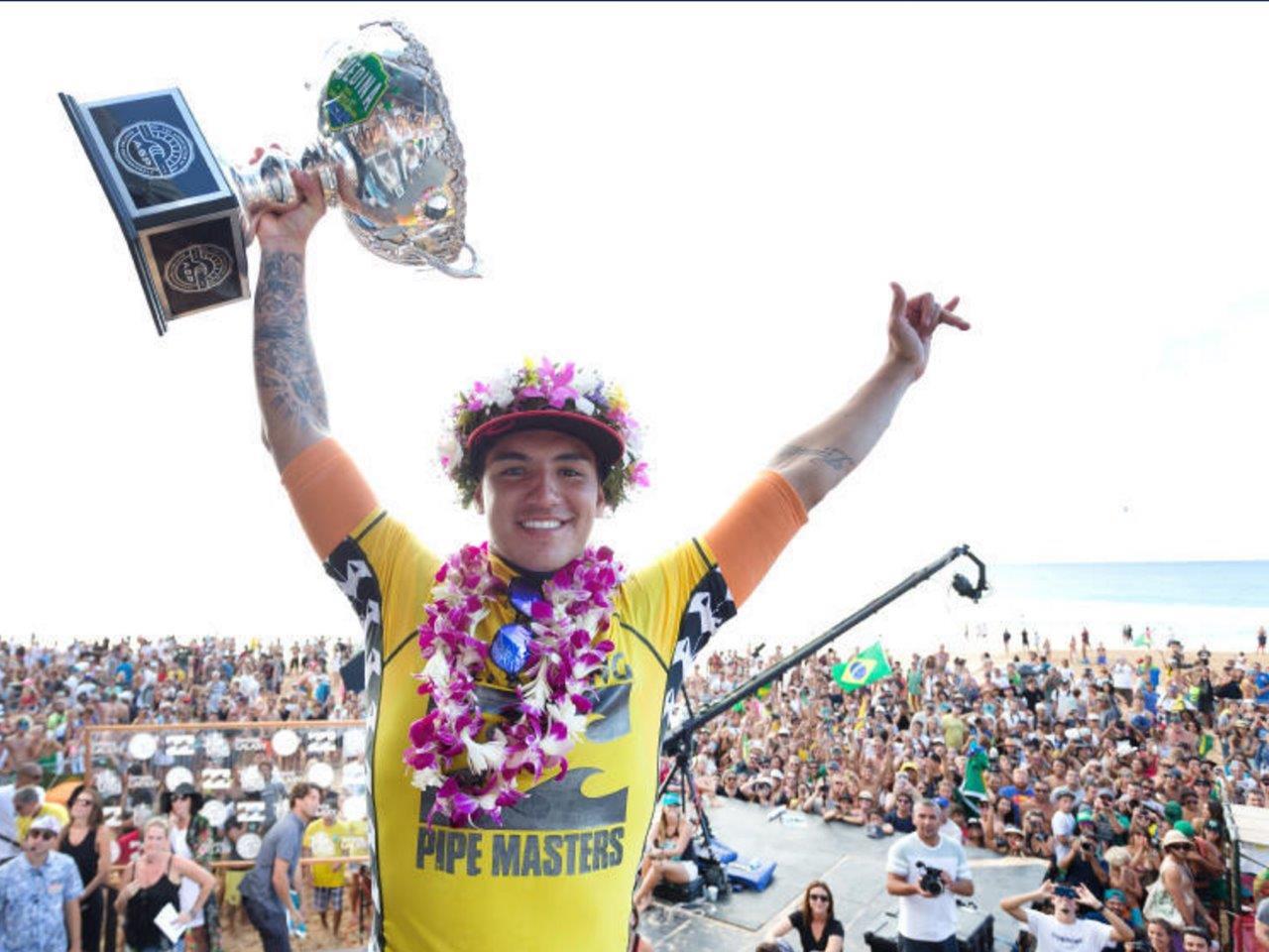 Gabriel Medina com título mundial, Havaí 2014 / Kelly Cestari