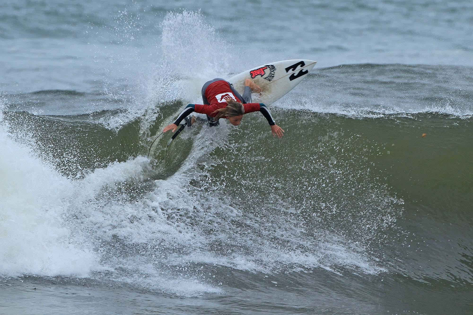 Ryan Kainalo Hang Loose Surf Attack Ubatuba / Foto Munir El Hage