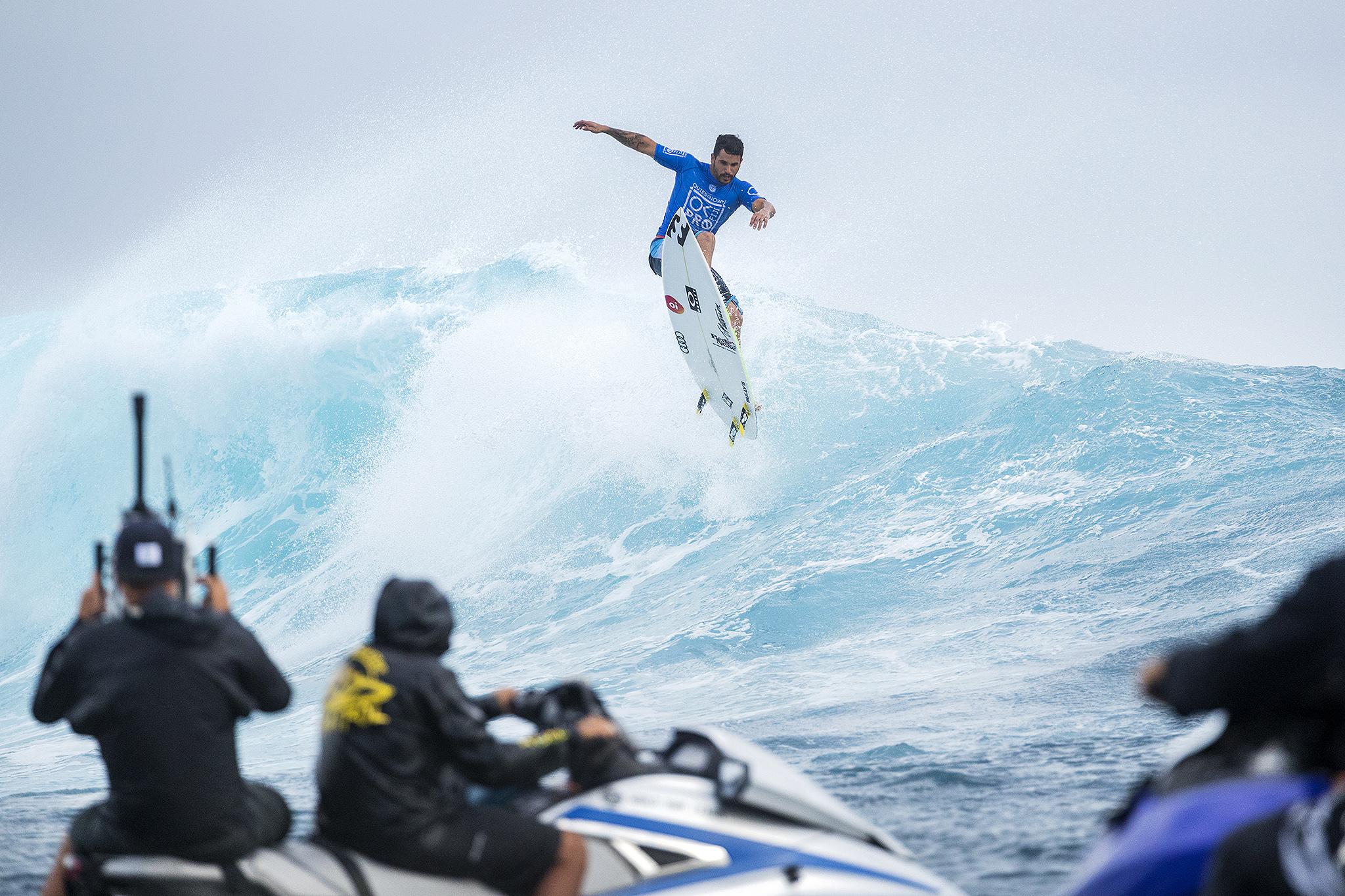Italo Ferreira / Foto Kelly Cestari Outerknown Fiji Pro