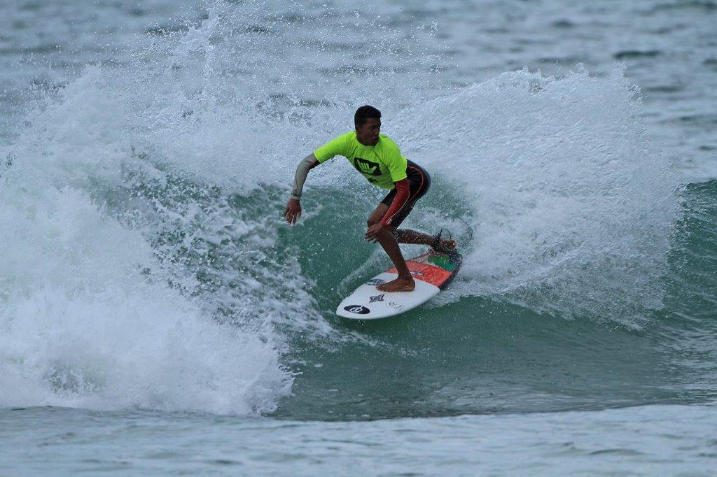 Caua Costa na segunda etapa do Hang Loose Surf Attack, em Maresias /  Foto Munir El Hage
