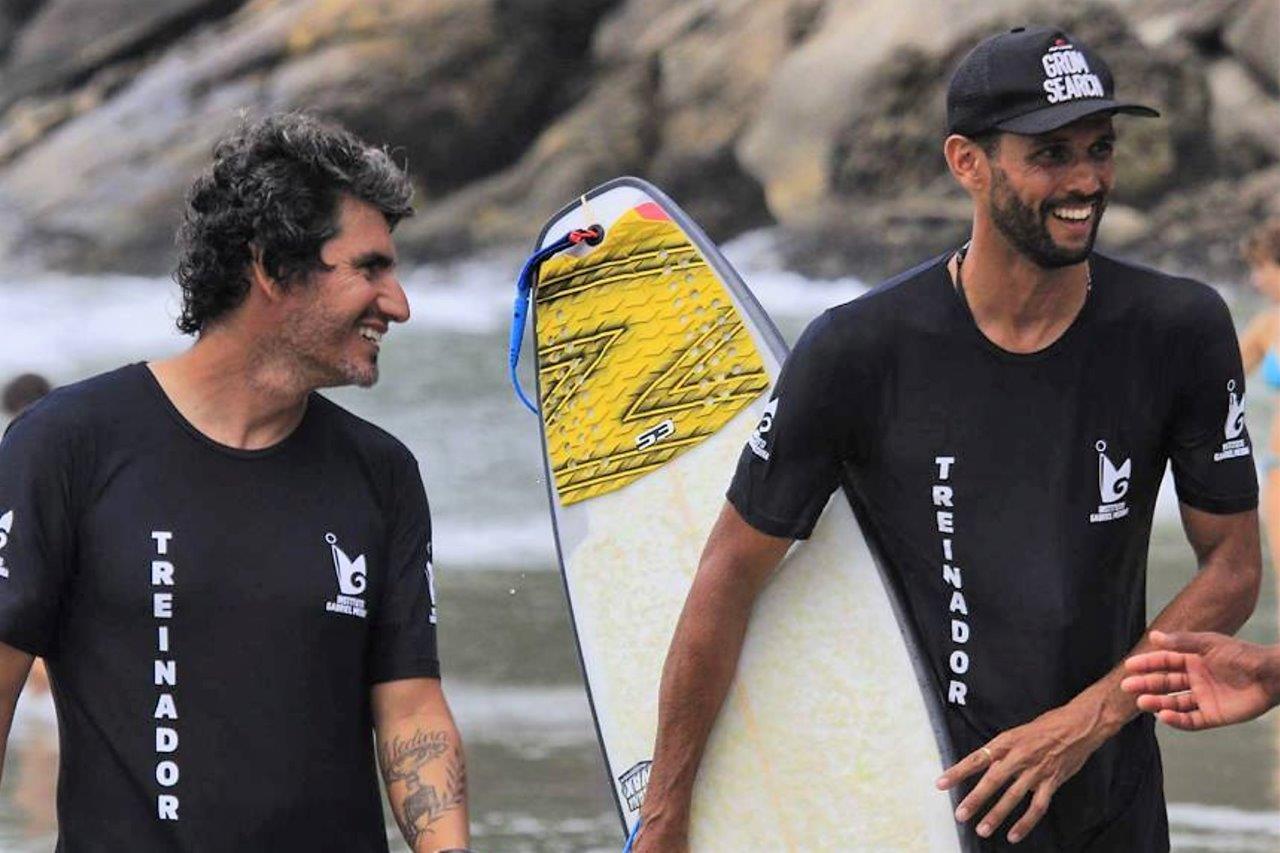 Alex com Charles Medina / Foto Cacoratos