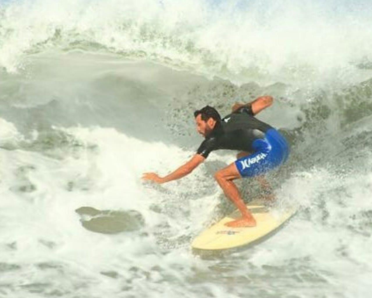 Surf em Maresias / Foto Aleko Stergiou