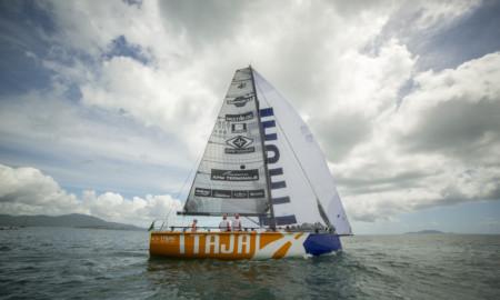 Itajaí Sailing Team sai na frente no 29º Circuito Oceânico