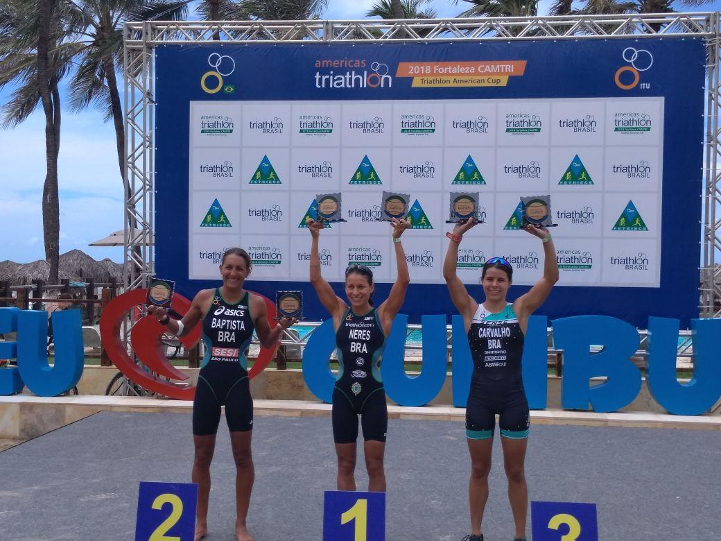 Pódio sub-23 no Triathlon American Cup (Divulgação)