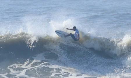 Jojó é uma das estrelas no Fico Surf Festival