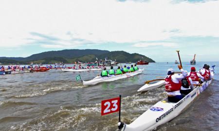 Santos celebra o Dia da Canoa Havaiana neste sábado