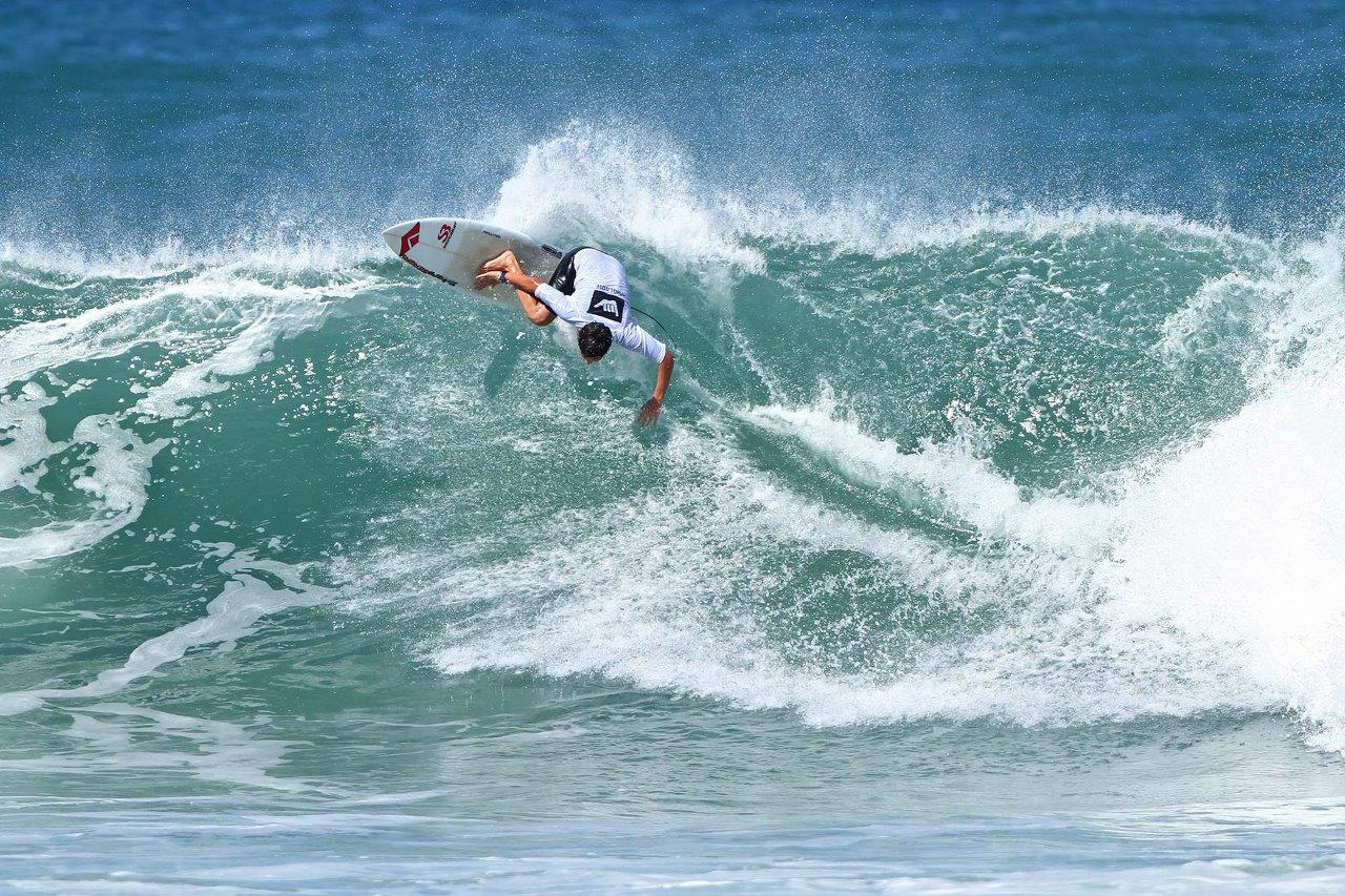 Diego Aguiar Hang Loose Surf Attack Ubatuba Foto Munir El Hage3