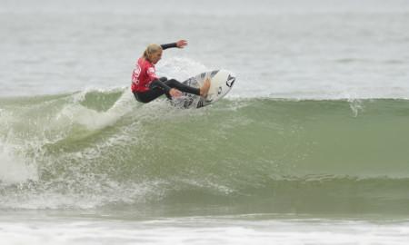 Domingo de surfe em Santa Catarina
