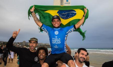 Deivid Silva defende título em Maresias