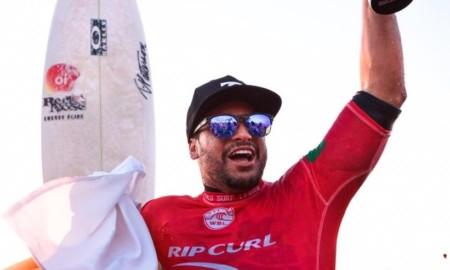 Italo Ferreira no Red Nose São Sebastião Pro 2018