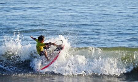 Victor Santos é destaque do Circuito Surf-Treino de Base de SV