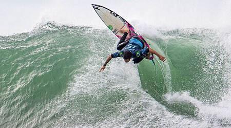 Italo Ferreira é o surfista de 2018