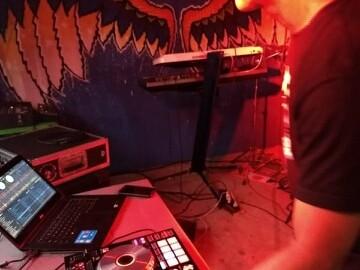 DJ Pesc tocará na Bowlhouse
