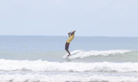 Théo Cabeleira garante o 3º lugar no Brasileiro Profissional de Longboard