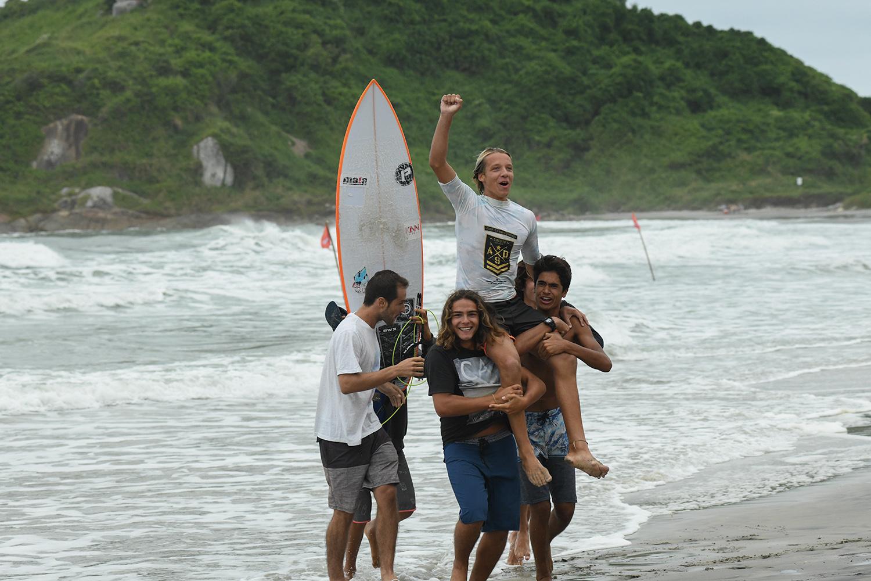 Artur Romão / Anuar em ação / Fotos Marcio David