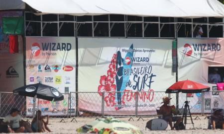 Wizard renova parceria e fortalece o surfe feminino