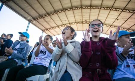 Nova fase da ONG Social Skate aumenta cursos para crianças de Poá