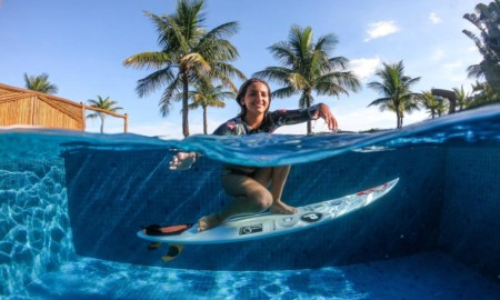 Sophia Medina representa o Brasil na final internacional do Rip Curl Grom Search