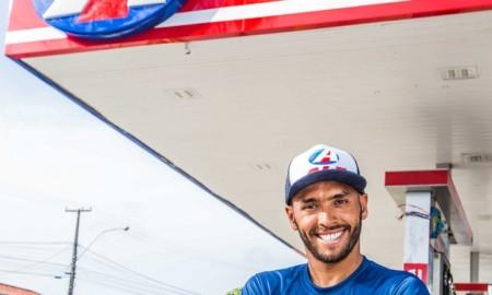 Jadson André marca presença em cerimônia no Rio, nesta sexta-feira