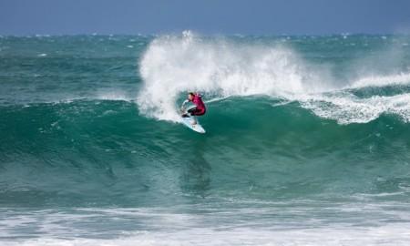 Disputa acirrada no mundial feminino de surfe