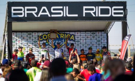 Cory Wallace (CAN) e Gaia Ravaioli (ITA) são campeões do Mundial MTB 24h Solo