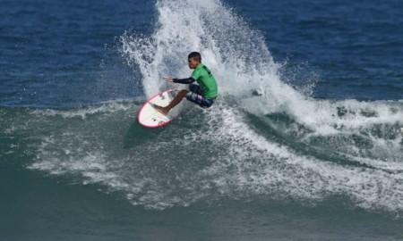 Caio Costa quer repetir as boas atuações na 2ª etapa do Hang Loose Surf Attack