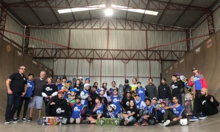 Alunos da ONG Skate Solidário se divertem, pela primeira vez, na RG Skate House