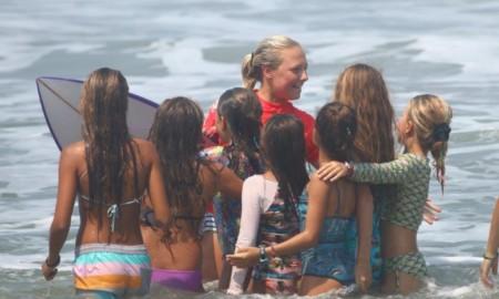 Vídeo mostra um pouco do que rolou no Brasileiro de Surf Feminino