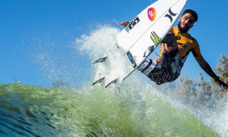 Filipe estreia nesta sexta nas ondas perfeitas da Surf Ranch