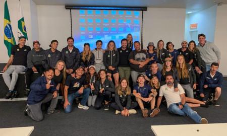 Seleção Brasileira de Skate se encontra com medalhista olímpico Vanderlei Cordeiro
