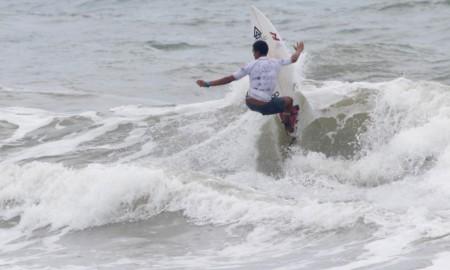 Artur Silva de olho no título brasileiro de surfe 2019