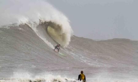 Surfistas do Farol de Santa Marta unidos contra o Covid-19