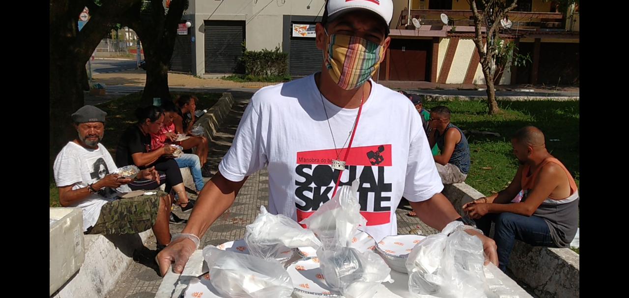 Testinha em ação pelas ruas de Poá / Foto Divulgação ONG Social Skate