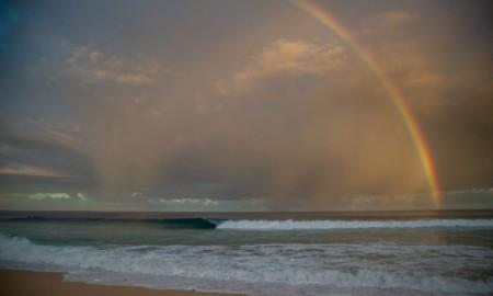 Circuitos Mundiais da World Surf League seguem parados