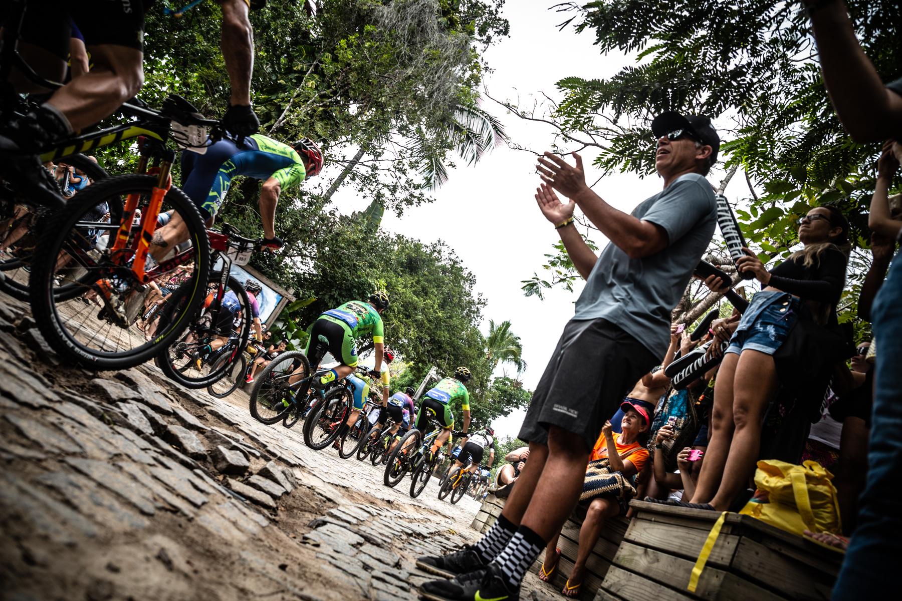 Mario Roma incentiva atletas / Foto Mario Jordany_Brasil Ride