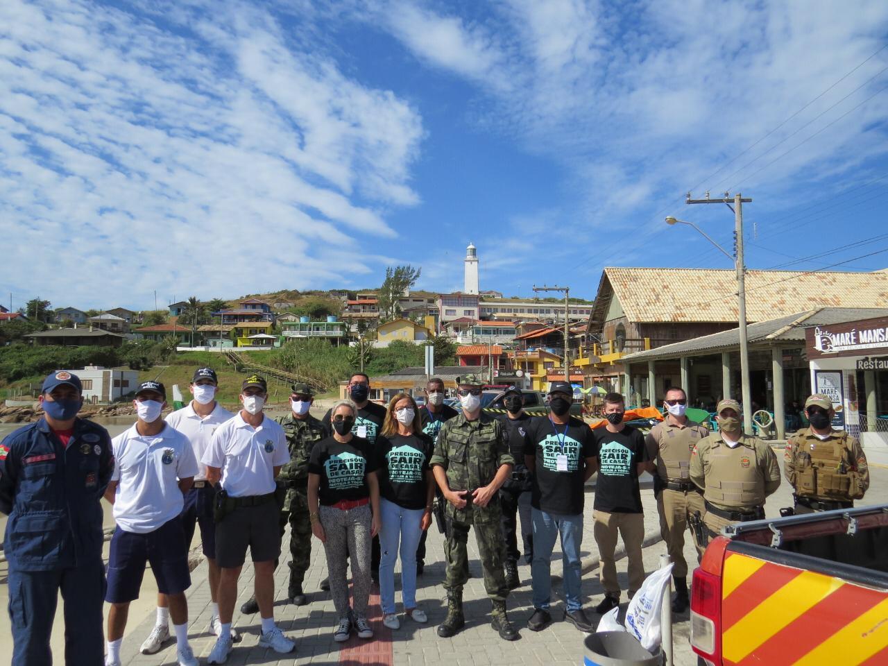 Fotos: Cedidas pelo CMEC (Comitê Municipal Emergencial de Crise) e pela Associação de Surf de Laguna (ASL)