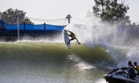 """Depois da experiência na """"Bolha"""", Filipe Toledo voltar a competir no Surf Ranch"""