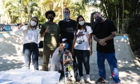 Instituto Bob Burnquist doa kits de higiene bucal para moradores da Ilha da Gigóia