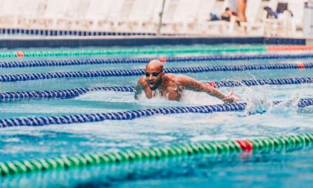 João Gomes Jr. volta de Portugal e intensifica treinos para o Troféu Brasil de Natação