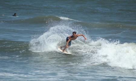 João Clarindo está confirmado no 25º A Tribuna Colegial de surfe