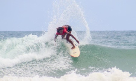 Yanca Costa fatura o título brasileiro de surf profissional na Bahia
