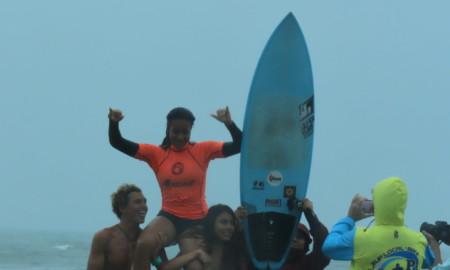 Atletas da Praia Grande se destacam no 1º dia do Sculp APGS de Surf 2021, e o surfe adaptado abrilhantou o evento