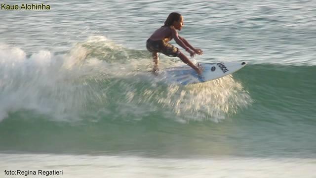 Nas férias, Kauê Alohinha experimentou as ondas de Maresias / Foto Regina Regatieri