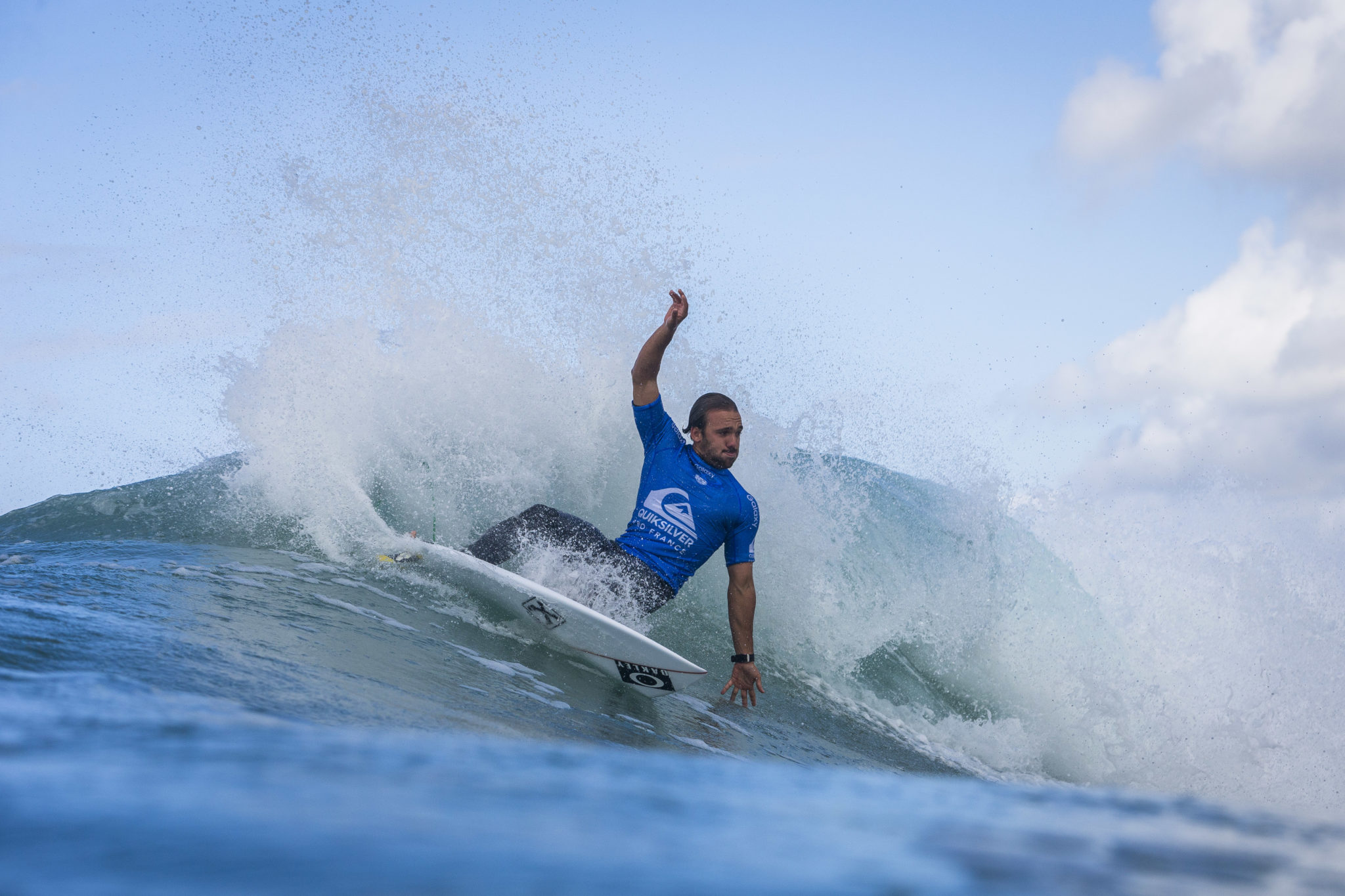 Caio Ibelli (BRA) Placed 1 st in   Heat 10 of Round One at Quiksilver Pro France 16